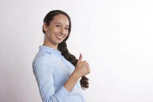 Waarom zou je jouw missie leven? Thumbs up, energie, enthousiasme en inspiratie